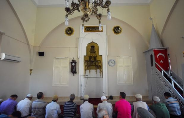 Siprus-Masjid tahtakale-mosque-in-nicosia-cyprus-jpeg.image